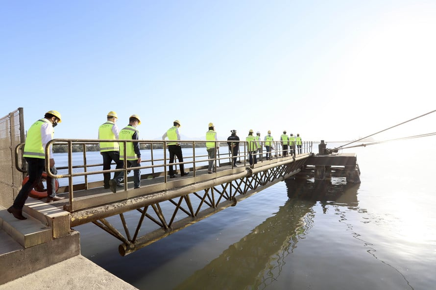 As obras e projetos em desenvolvimento nos portos do Paraná foram apresentados, nesta sexta-feira (10), para representantes da Agência Nacional de Transportes Terrestres (ANTT) e ministérios da Infraestrutura (Minfra) e Economia. Fonte: Claudio Neves